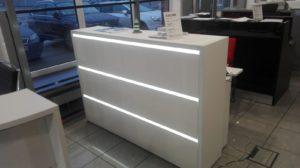Empfangstheke VEGAS mit Hochglanzfront und LED-Beleuchtung